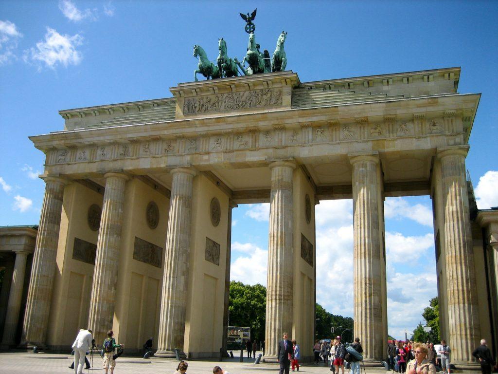 brandenburg gate on sunny day